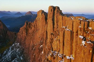 Dawn on Mount Geryon, Cradle Mountain-Lake Saint Clair National Park, Tasmania, Australia